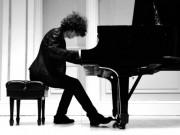 Photo of Julian Gargiulo playing piano @ Carnegie Hall